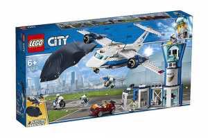 LEGO City Police Base Della Polizia Aerea Con 6 Minifigures, Una Torre Di Controllo A 3 Livelli Con Magazzino Per Jetpack, Aereo E Paracadute, Set Di Costruzioni Per Bambini Dai 6 Anni In Su, 60210