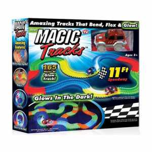 Giochi Preziosi - Magic Traks Pista Da Corsa Per Auto, Glow In The Dark, 1 Auto Inclusa