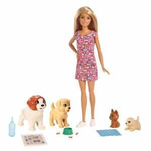 Barbie Doggy Daycare Playset Dogsitter Con Bambola, Cuccioli, 4 Cagnolini Tra Cui Uno Che Fa La Pupù E Uno Che Fa La Pipì, Carta Che Cambia Colore E Accessori, Giocattolo Per Bambini 3 + Anni, FXH08